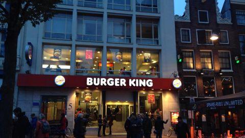 Industriële gietvloer – toepassing horeca Burger King Leidse Plein Amsterdam