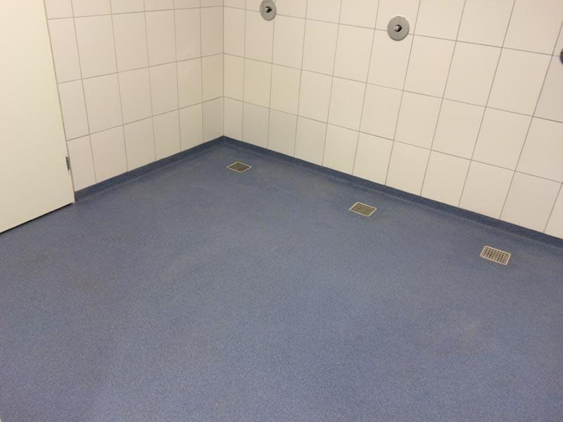Kosten dekvloer badkamer leen bakker badkamerkast u2013 betonnen badkamer kosten - Kleedkamer badkamer ...