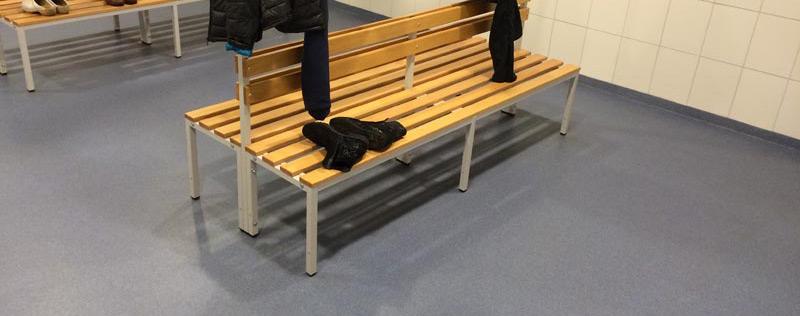Vloer kleedkamer (kleedkamervloer) sportvereniging Gelderland