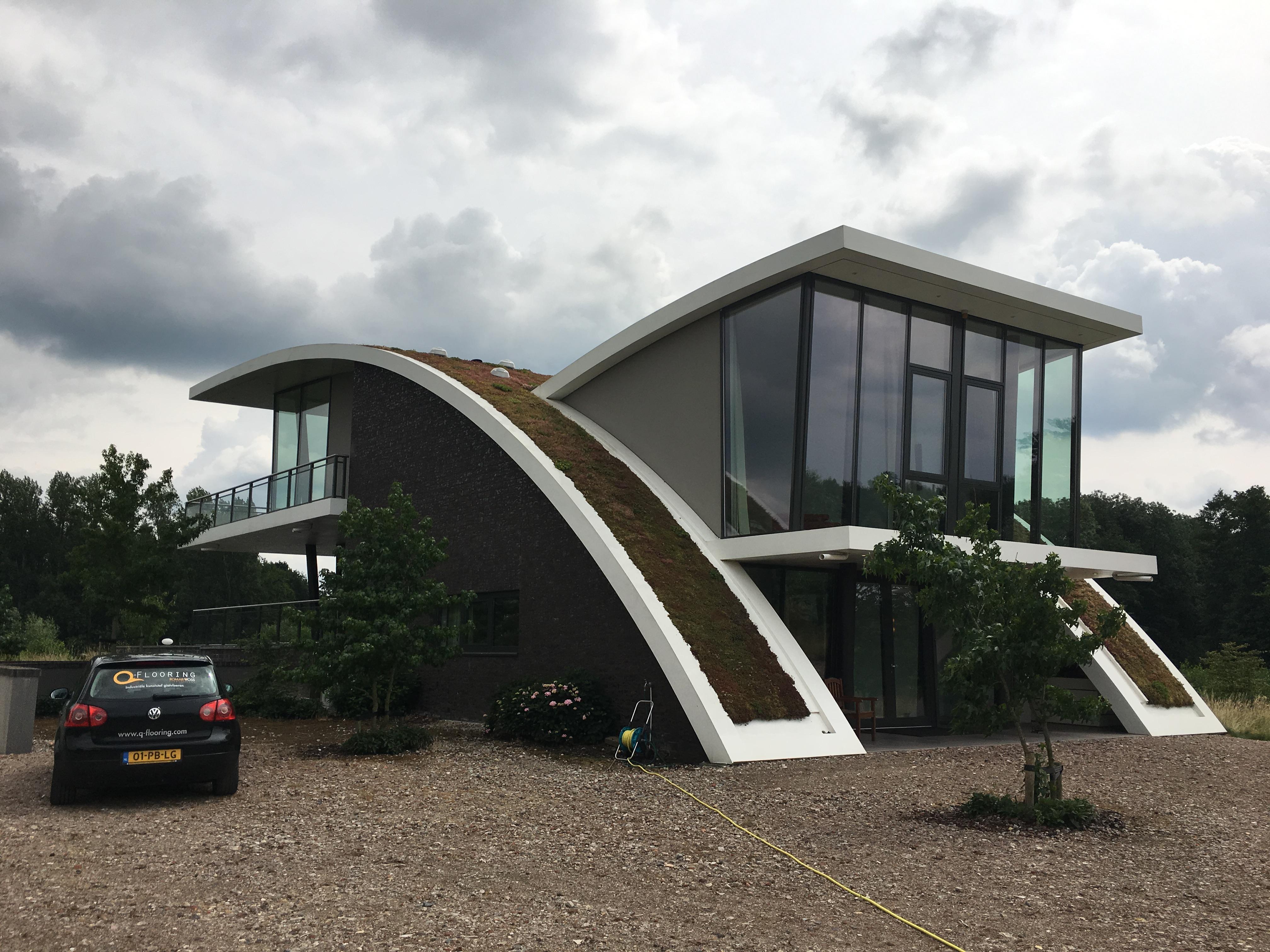 Vloer dakterras Appeltern – kunststof gietvloer op terras met zwembad