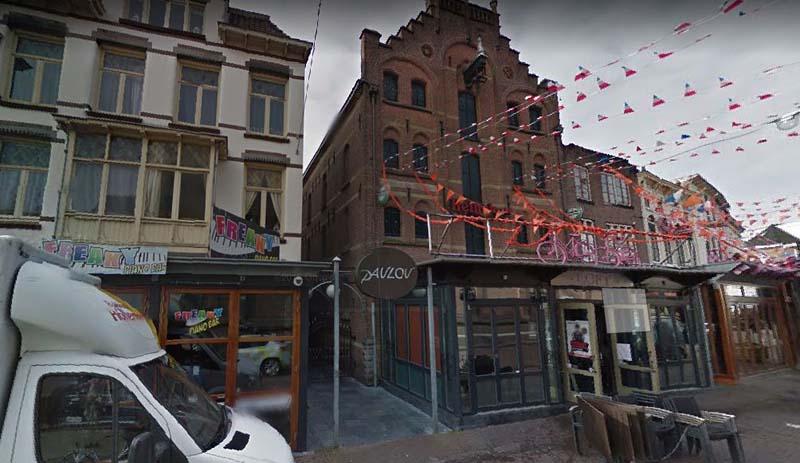 Complete vloerrenovatie – kunststof gietvloer café Arnhem (horecavloer)