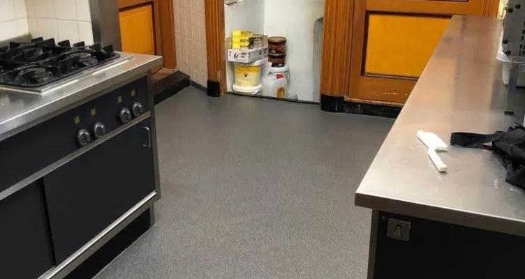 PMMA-vloer over tegels aanbrengen Sint-Michielsgestel