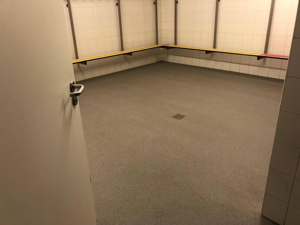 Nieuwe kleedkamervloer bij sportclub in Culemborg